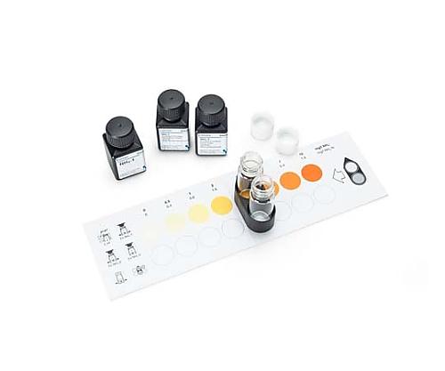 エムカラーテスト(TM) アンモニウム テスト 測定原理: 比色分析(スライド式比色ユニットによる)、インドフェノールブルー法 0.2-0.4-0.6-1-2-3-5mg/L NH4+ MColortest(TM) 108024 50Tests